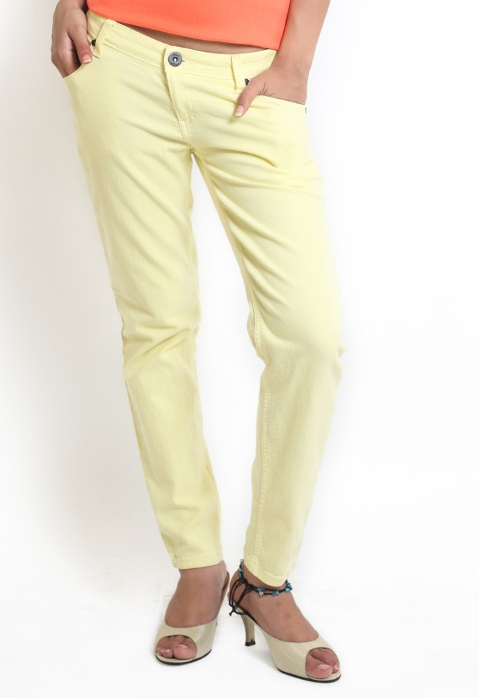 Compare price of Globus Yellow Coloured Overdyed Denim via Compare Hatke