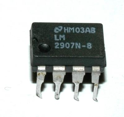National Semiconductor LM2907N-8
