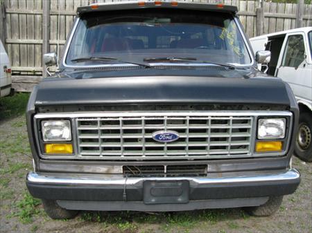 1988 Ford E-150 Econoline Club Wagon 5.0L - For Parts