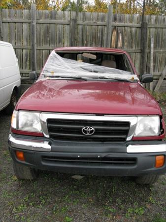 1999 Toyota Tacoma Deluxe SR5 4X4 Xtra Cab - For Parts
