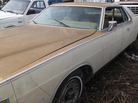 1976 ford <em>mercury</em> marquis v-8