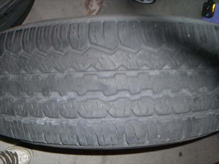 Tires and Wheels off 07 Nissan Pathfinder SE