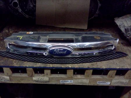 2008 Ford Focus Grille