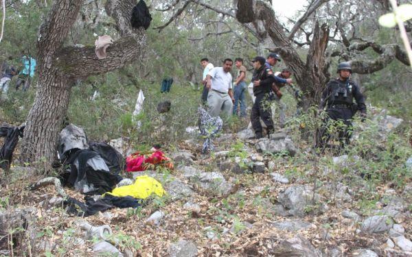 Jenni Rivera Esta Muerta - Ropa