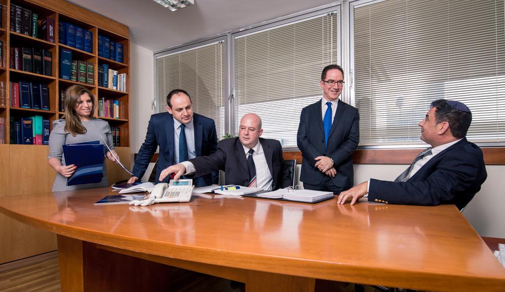 עורך דין עסקי - המגזר העסקי