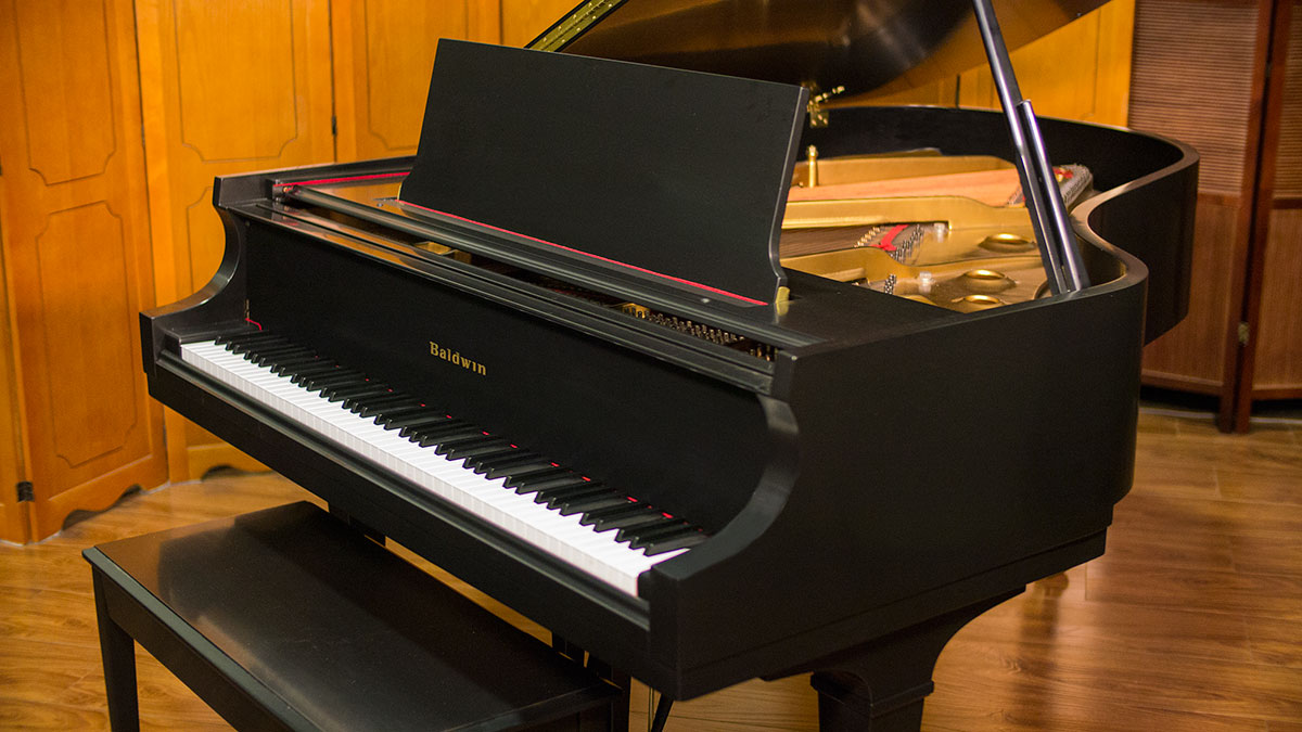 Baldwin model l grand piano for sale used piano store for What size is a grand piano