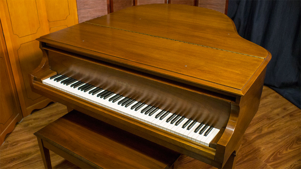 Baldwin model m grand piano for sale living pianos for What size is a baby grand piano