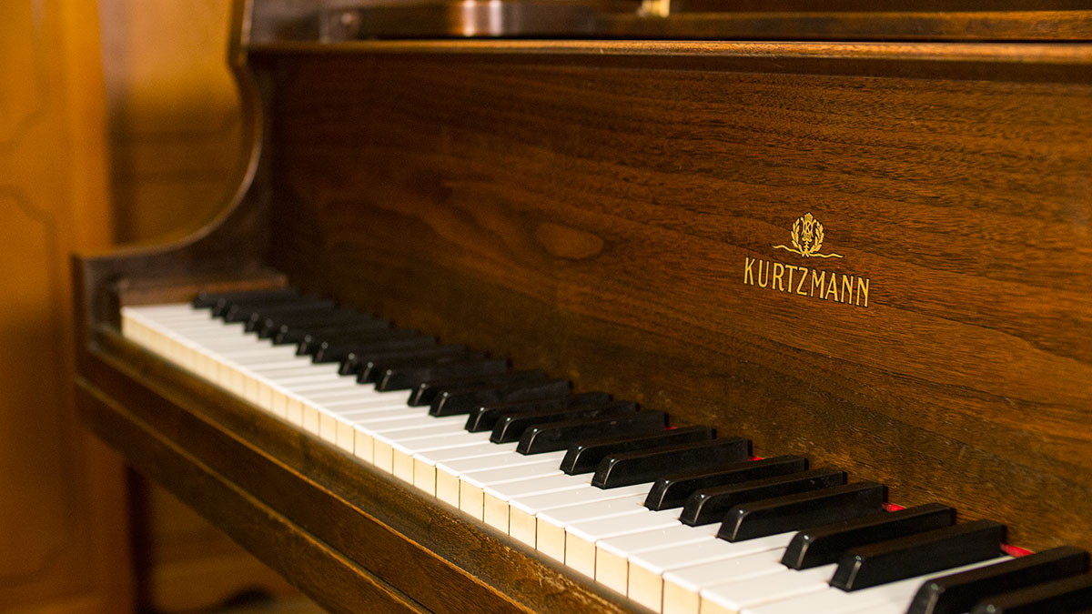 Used Kurtzmann Usa Made Baby Grand Piano For Sale Piano Store