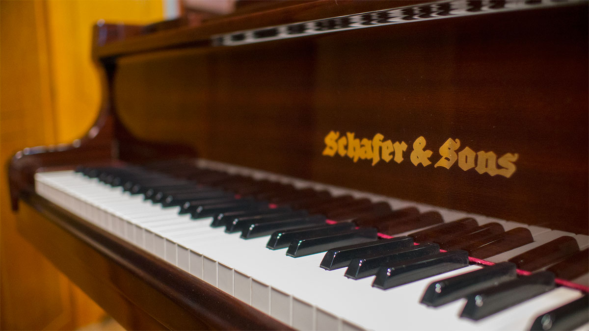 Used Schafer Amp Sons Cd Player Grand Piano For Sale