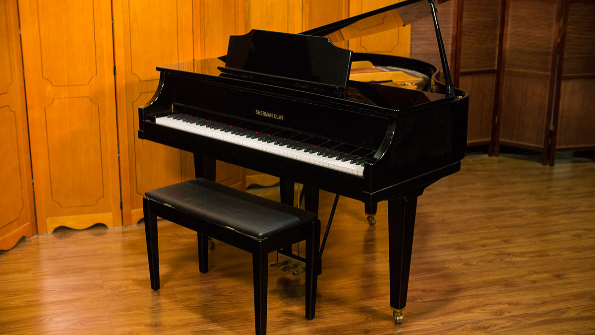 Sherman clay baby grand piano model k35a212 for sale for What size is a grand piano