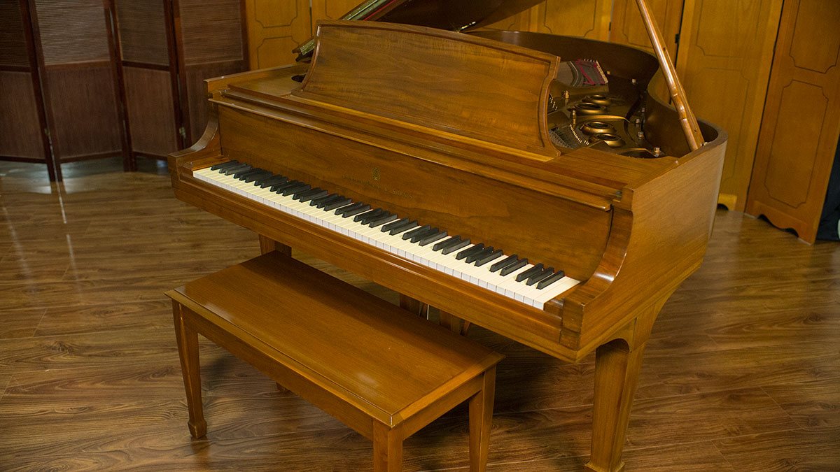 Steinway grand piano model l 441273 for What size is a grand piano