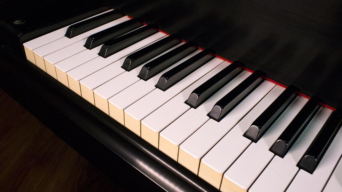 Yamaha c3 grand piano for sale b1288395 for Yamaha c3 piano dimensions
