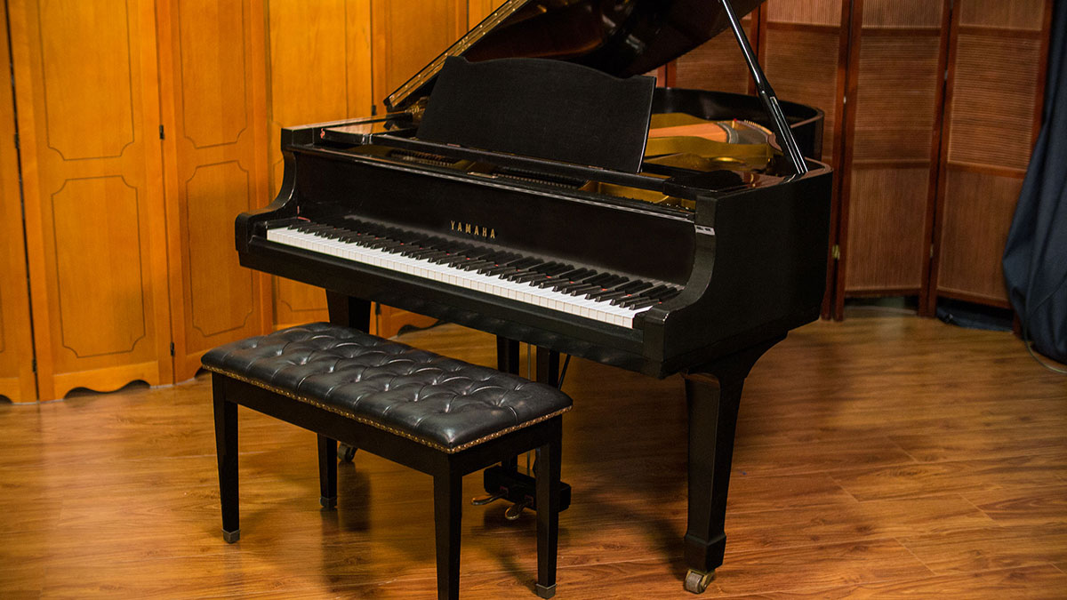 Used yamaha g3 grand piano for sale living pianos for Yamaha used piano