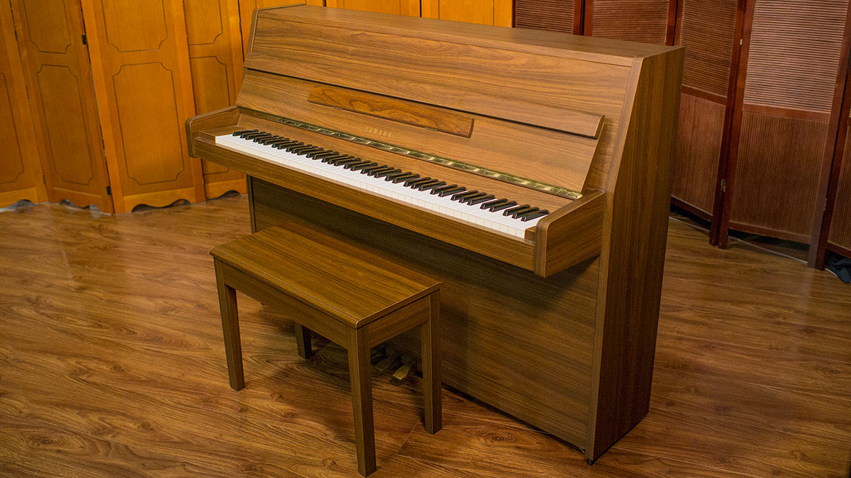 Used yamaha upright piano for sale online piano store for Used yamaha pianos for sale