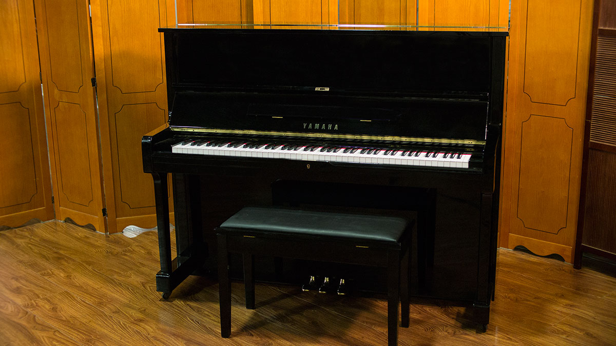 Used yamaha u1 upright piano for sale online piano store for Used yamaha u1 price