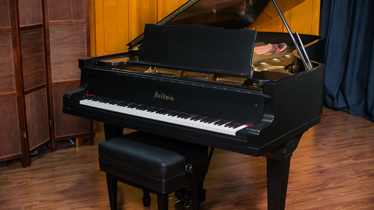 Baldwin model d concert grand piano for What size is a grand piano