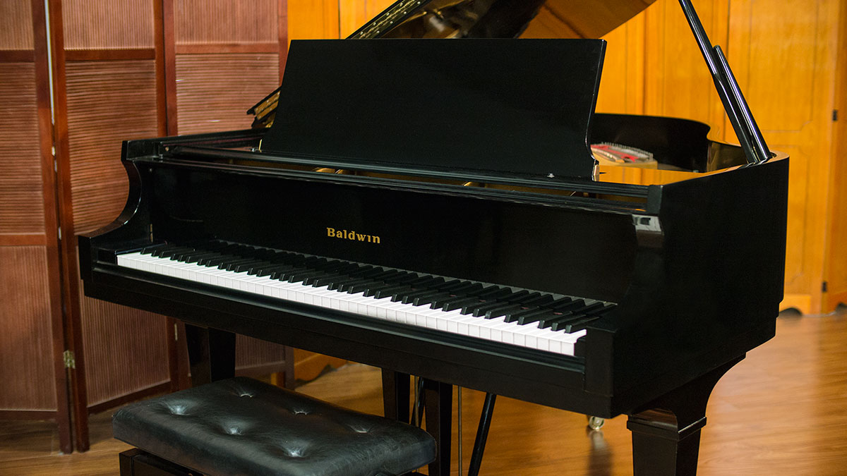 Baldwin baby grand piano for sale online piano store for Size of baby grand piano