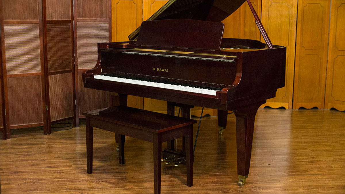 Like new kawai baby grand piano for sale made in japan for What size is a grand piano