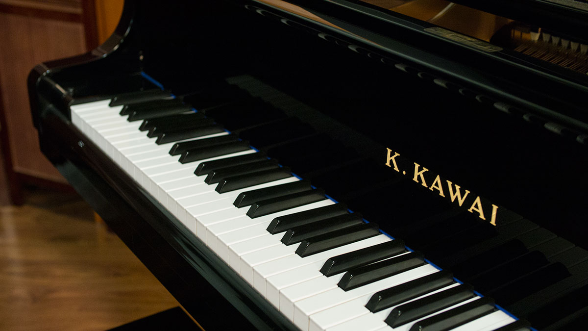 kawai parlor grand piano for sale model kg1e 1937858. Black Bedroom Furniture Sets. Home Design Ideas