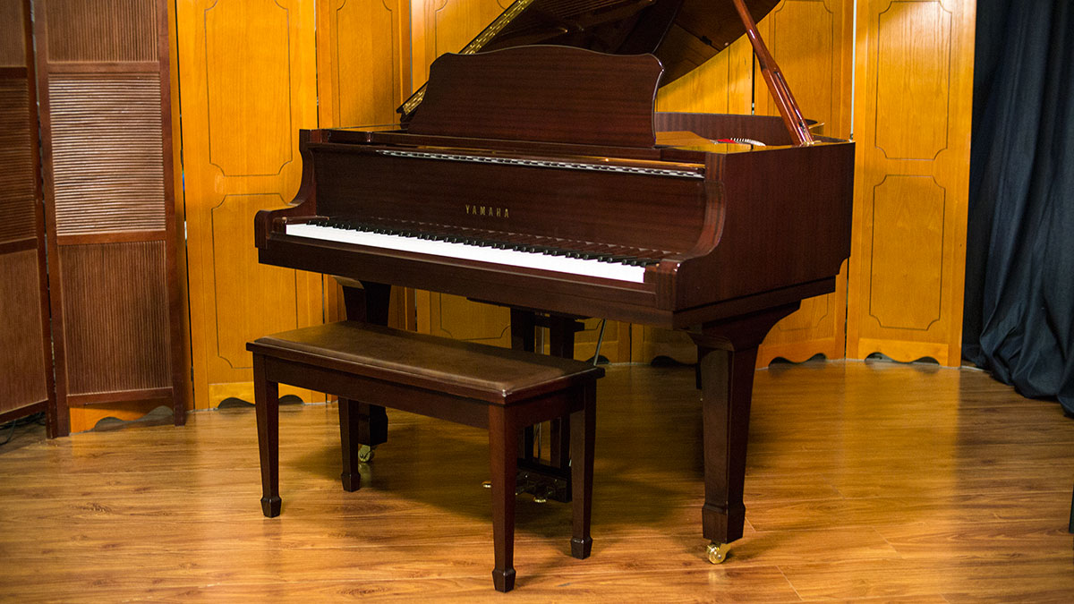 like new yamaha c2 grand piano for sale used piano store