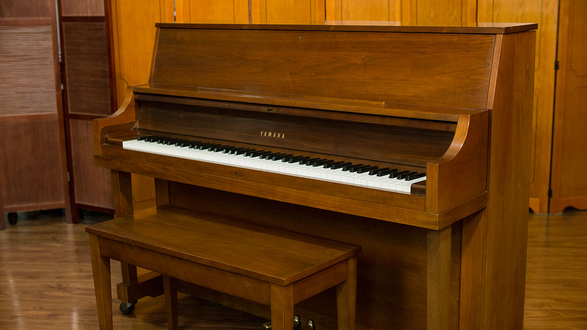 Yamaha studio upright piano model p22 for sale online for Yamaha piano upright