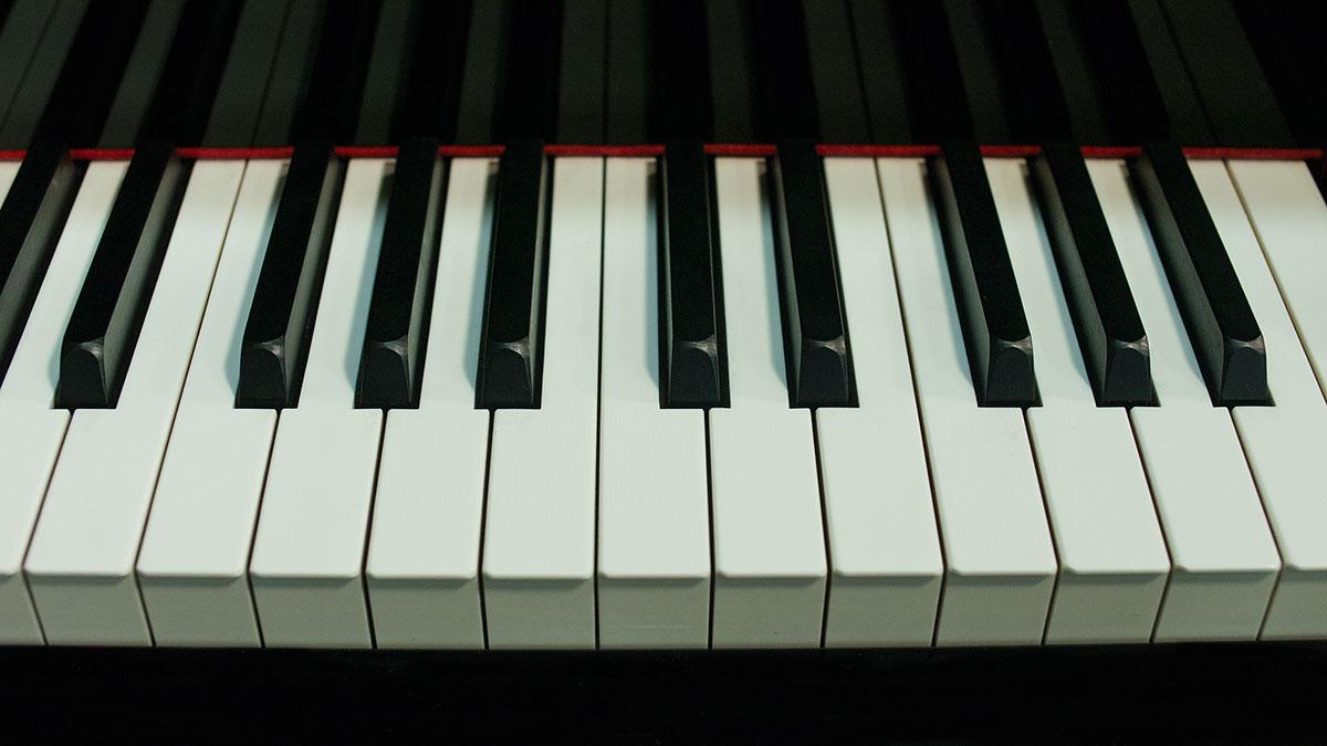 Yamaha s series hand made grand piano model s400b online for Yamaha pianos tampa