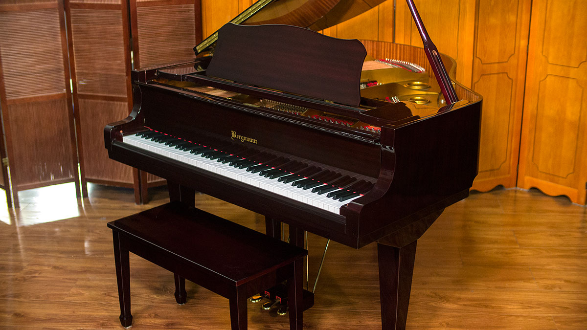 Bergmann player baby grand for sale living pianos for What size is a baby grand piano