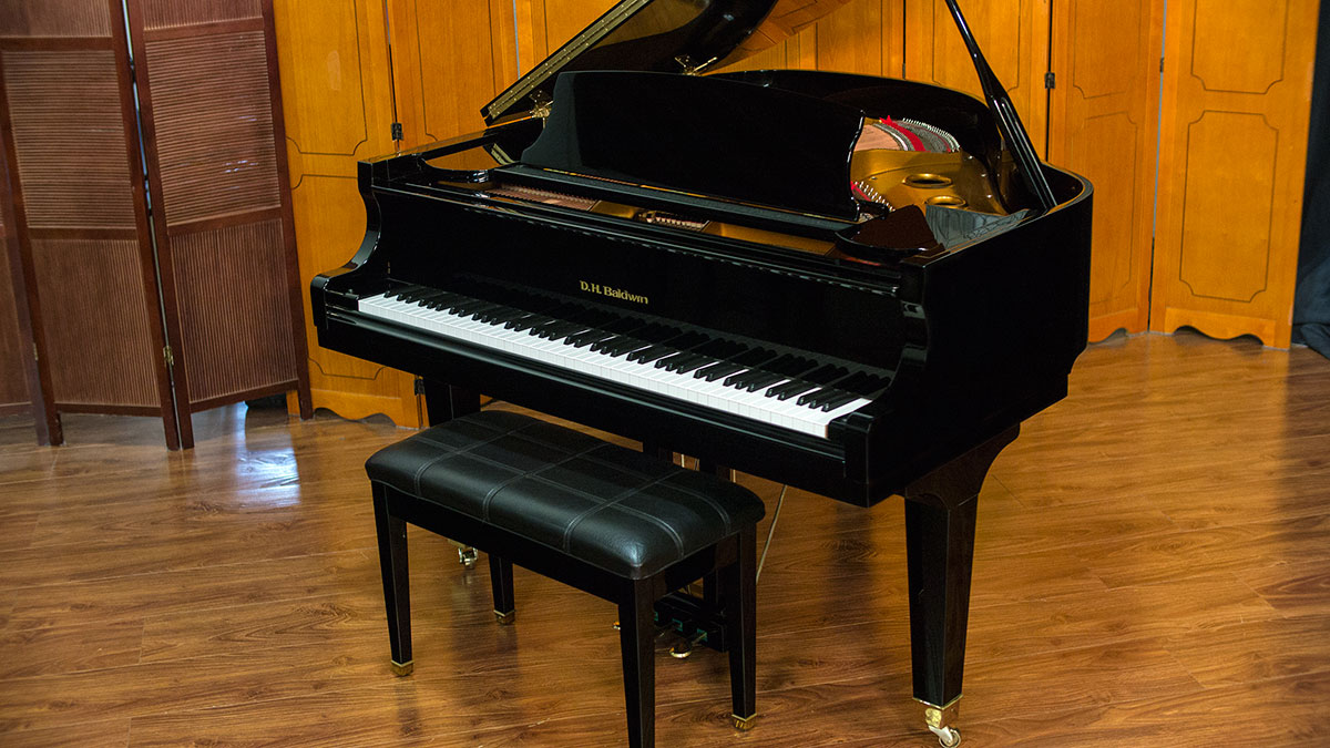 Dh baldwin model c152 baby grand piano for sale online for Size baby grand piano
