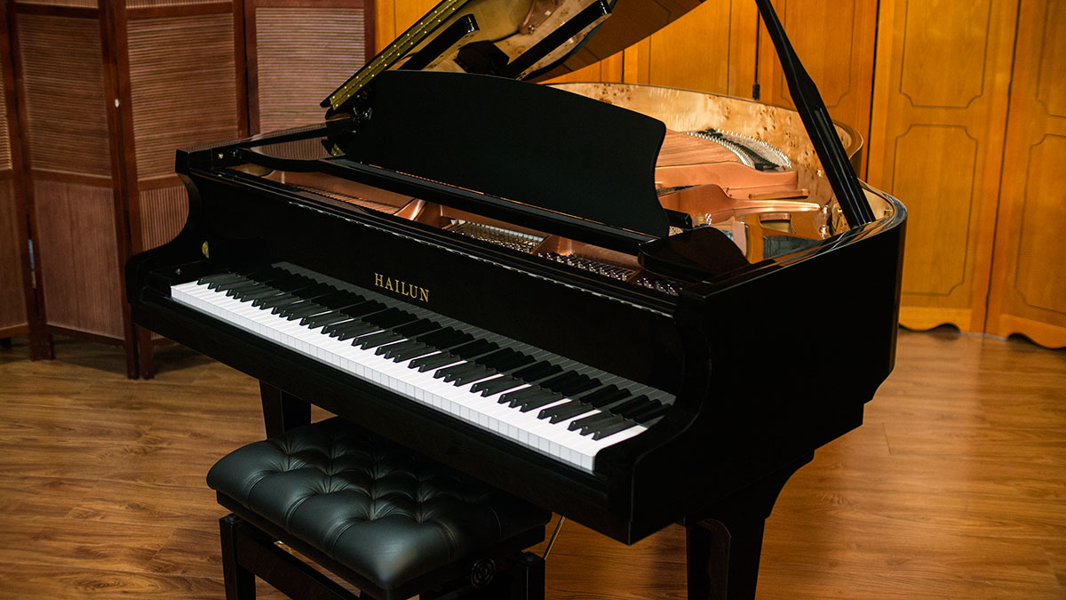 Hailun baby grand piano for sale model 151 living pianos for Size baby grand piano