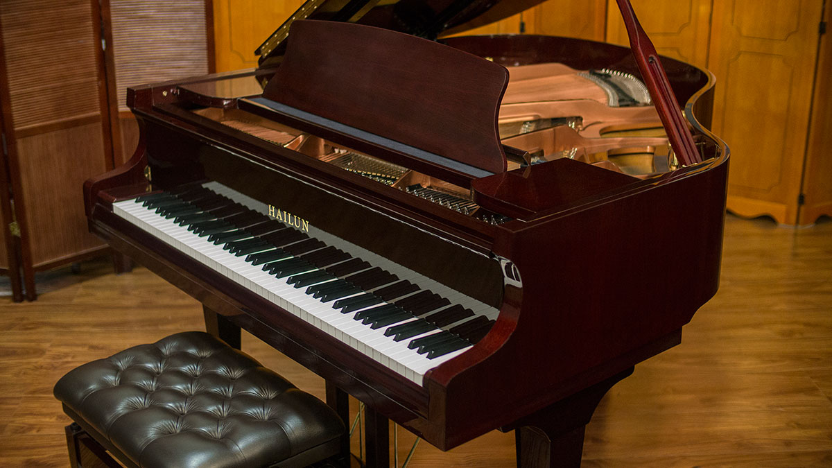 Hailun baby grand piano model 161 living pianos online for Size baby grand piano