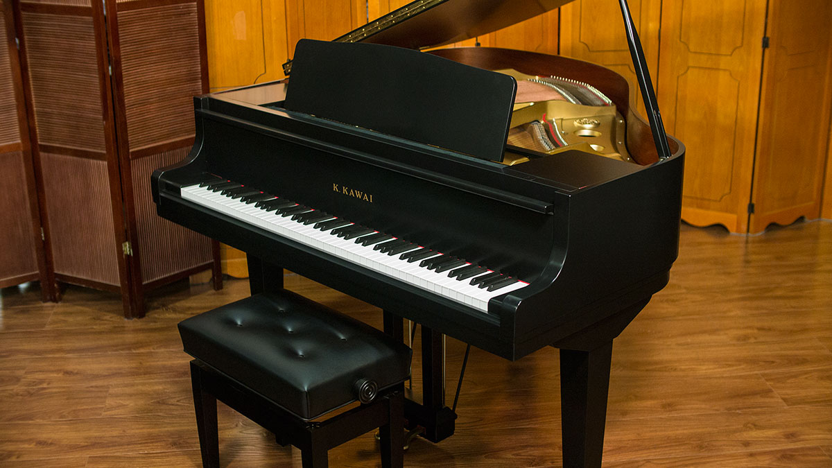 Kawai baby grand piano model gm 1 living pianos online for Size baby grand piano