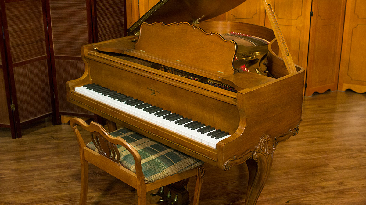 Sohmer art case baby grand piano for sale living pianos for What size is a baby grand piano