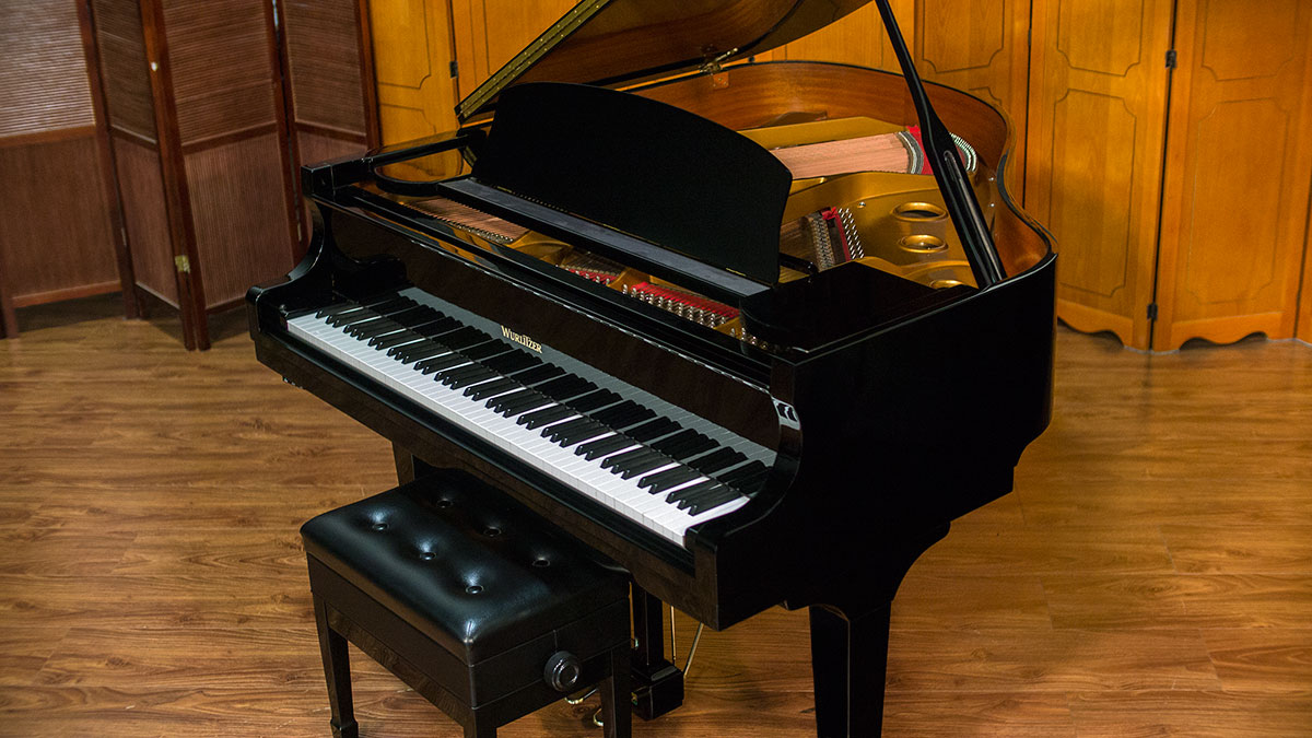 Wurlitzer model c153 baby grand piano for sale living pianos for What size is a baby grand piano