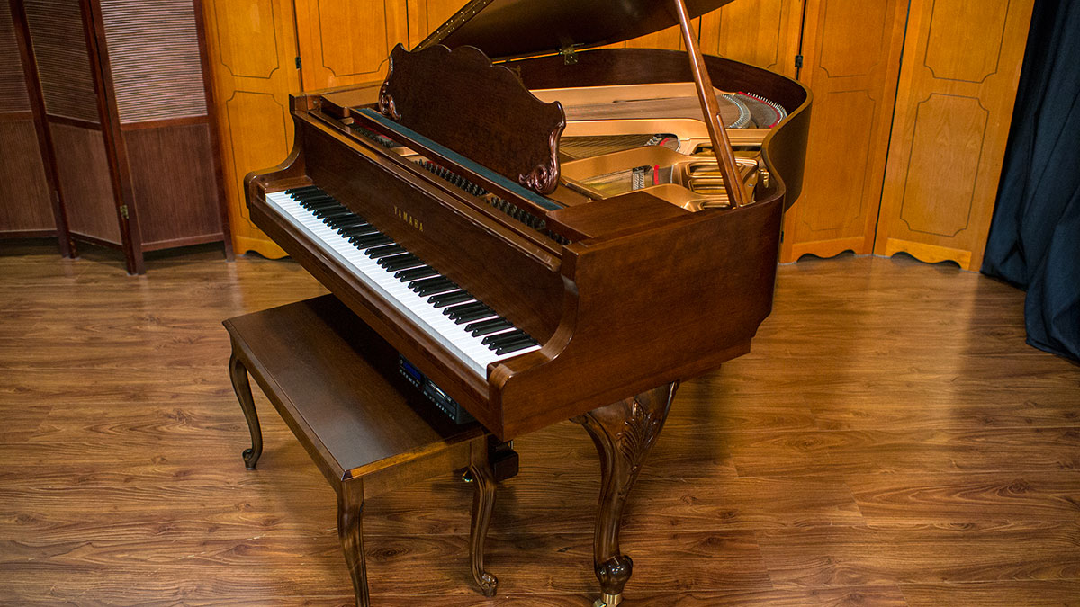 Yamaha model gh1 french provincial player baby grand piano for Size of a baby grand piano