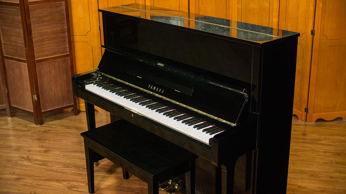 Yamaha u1 upright pianos with slow close fallboard for Piano u1 yamaha price
