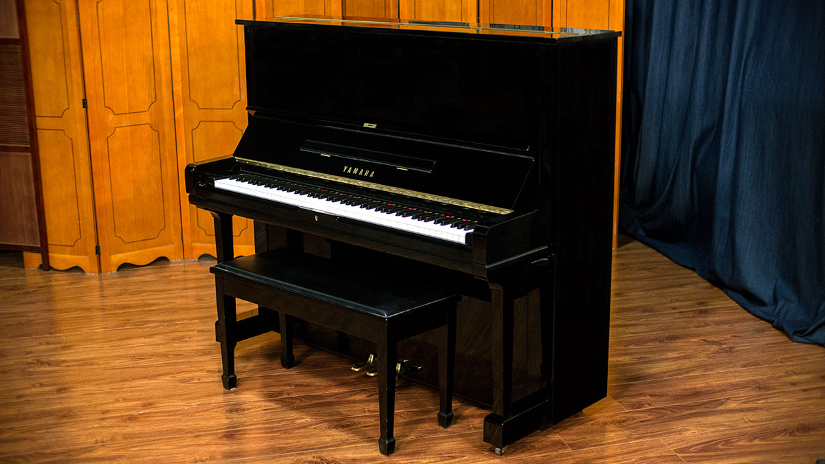 Yamaha model u3 professional upright piano for sale for Yamaha u1 professional upright piano