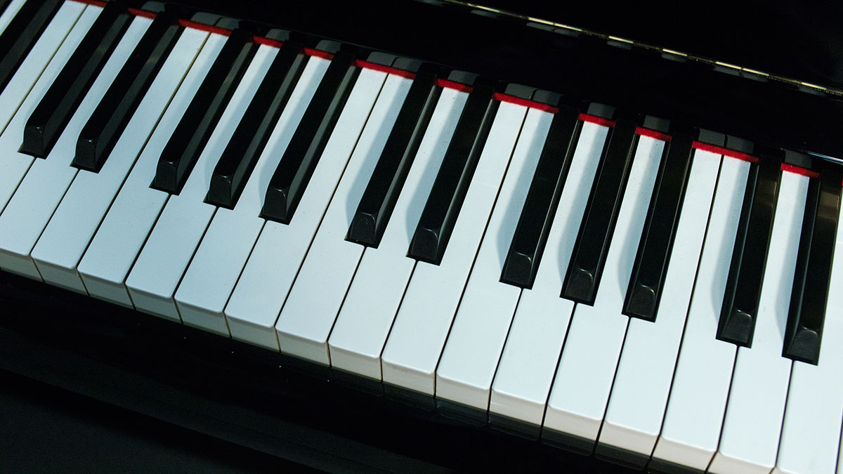 Yamaha model ux 1 professional upright piano for sale for Yamaha u1 professional upright piano