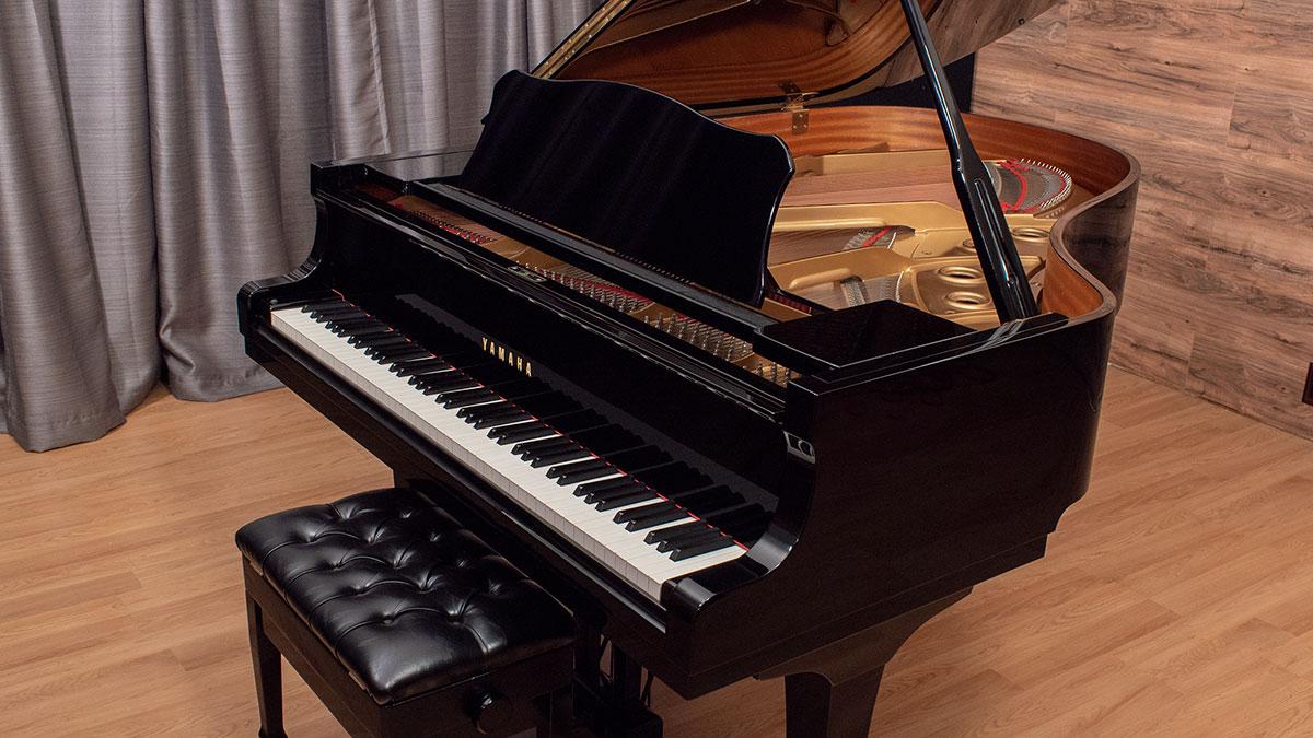 Yamaha grand piano model c3 living pianos online store for Yamaha c3 piano dimensions
