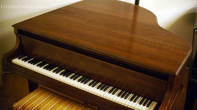 Hardman Baby Grand Piano 140742