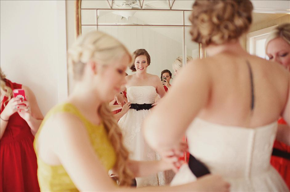 "5 Pitfalls to Avoid When Shooting ""Getting Ready"" Photos // Wedding Photography Tips // The Reason Photography for Nations Photo Lab"