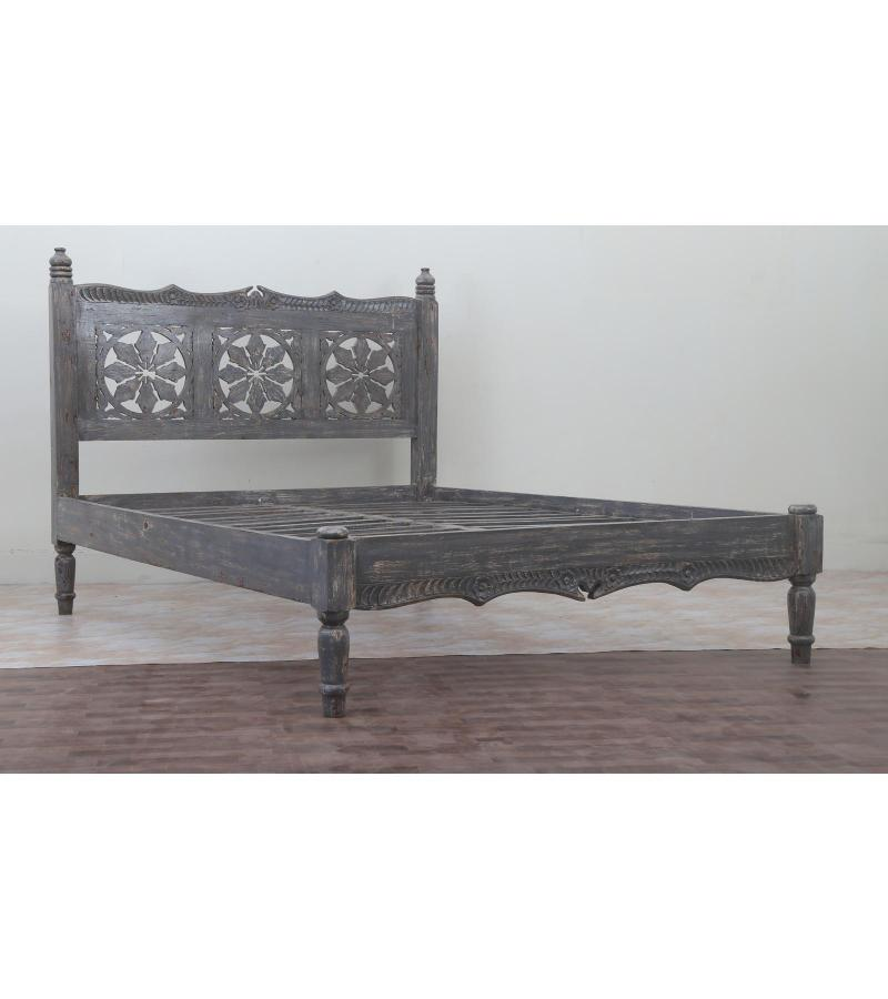 WOODEN QUEEN BED