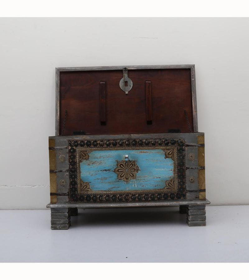 WOODEN BOX WITH BRASS