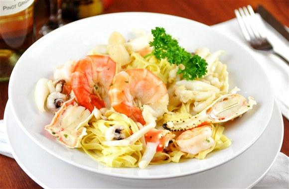 Linguini alla pescatore for Maria s italian kitchen menu