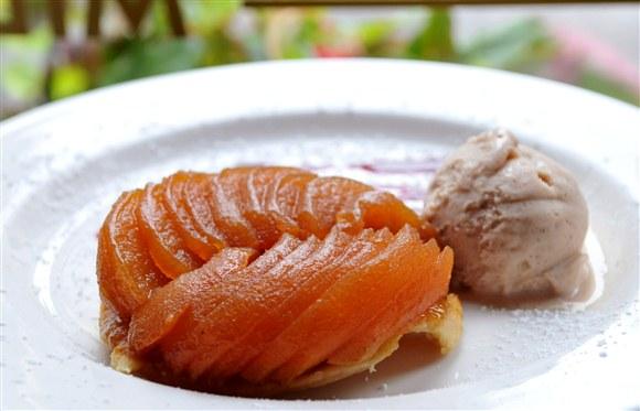 Peach Melba - Midi Bistro