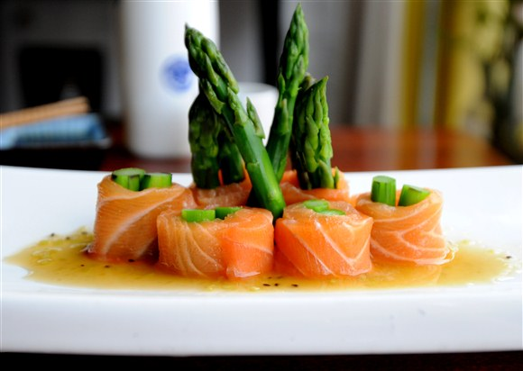 Salmon Asparagus Roll - Omi Sushi