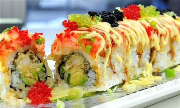 Godzilla Roll (8pcs) - Sushi Queen Izakaya