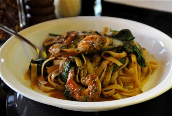 Seafood Medley (tomato & Fettuccine) - Daddyo's Pasta