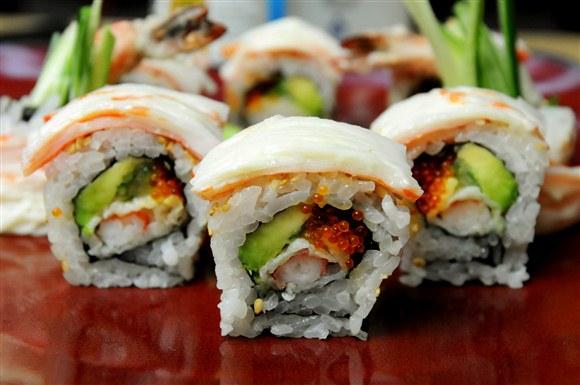 Snow Mountain Roll (8pcs) - Sushi Garden