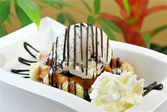 Ice Cream Special - Wanda's Belgian Waffles