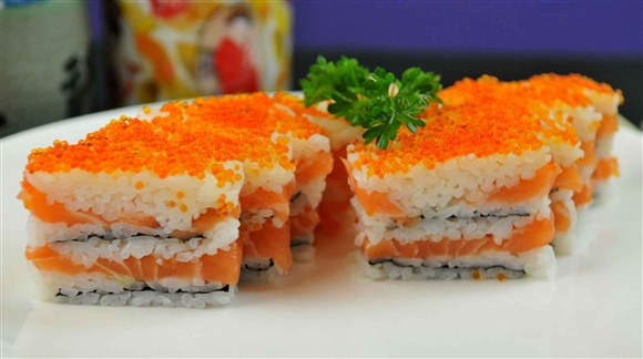 1000 Layered Sushi (8 pcs) - Oishi Kada